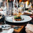 How to Organize a Dinner for Big Groups